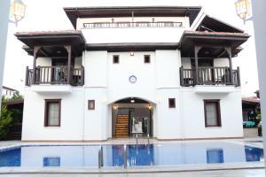 Отель Erdem Hotel, Акьяка