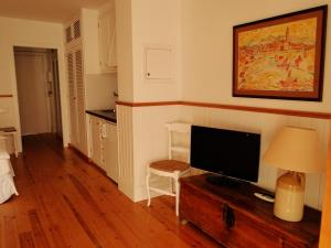 Antonio´s Apartment, Apartmanok  Sitges - big - 12