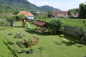 Rustic Argesean, Guest houses  Corbeni - big - 45