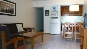 Apartamentos Hg Lomo Blanco, Apartmanok  Puerto del Carmen - big - 42