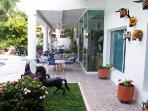 Casa Campestre El Peñon 5 Habitaciones, Aparthotels  Girardot - big - 22