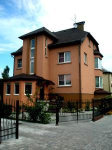 Klavdia Guesthouse - Orlovka