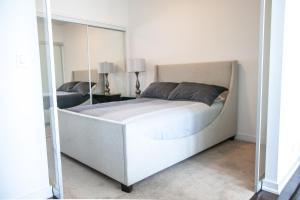 Corporate Ryan Suites York Street, Appartamenti  Toronto - big - 64