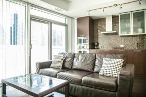 Corporate Ryan Suites York Street, Apartmány  Toronto - big - 16