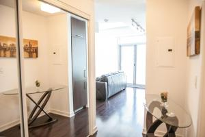 Corporate Ryan Suites York Street, Apartmány  Toronto - big - 18