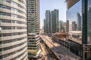 Corporate Ryan Suites York Street, Apartmány  Toronto - big - 20