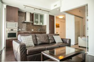 Corporate Ryan Suites York Street, Apartmány  Toronto - big - 23
