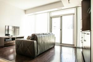 Corporate Ryan Suites York Street, Apartmány  Toronto - big - 24