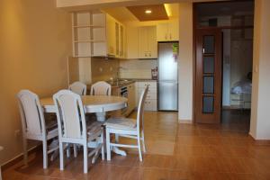 Apartments Solaris, Apartments  Budva - big - 55