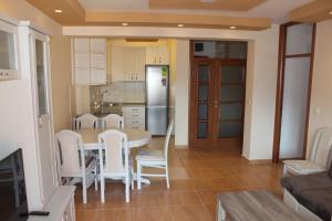 Apartments Solaris, Apartments  Budva - big - 60