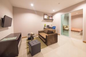 Pansook The Urban Condo, Apartmanok  Csiangmaj - big - 6