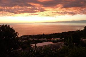 La Caz Oceane, Bed & Breakfasts  Saint-Leu - big - 31
