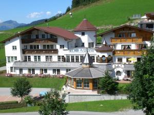 Berghotel Almrausch - Hotel - Berwang
