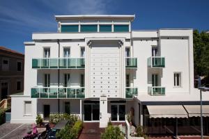 Best Western Maison B Hotel