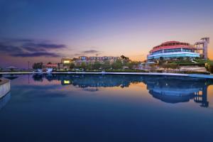 Dreamworld Resort, Hotel & Gol..