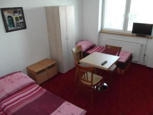 Apartmány Zlín, Penzióny  Zlín - big - 16