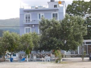 Hostales Baratos - Hotel Prinos