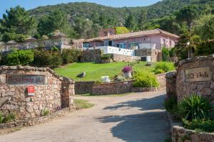 Location gîte, chambres d'hotes Résidence U Pirellu dans le département Corse du Sud 2a