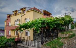 Guest House JoJi, Pensionen  Saparewa Banja - big - 21