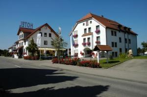 Hotel Restaurant Adler - Hüttlingen