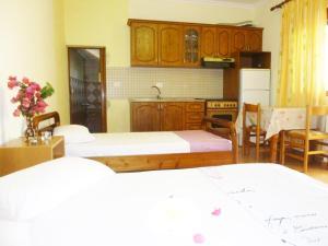 Vila Altini Borsh, Apartmanok  Borsh - big - 6