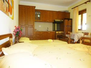 Vila Altini Borsh, Apartmanok  Borsh - big - 8