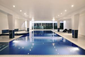 Mercure Cardiff Holland House Hotel and Spa (7 of 50)