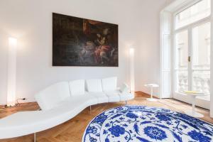 Della Spiga Apartment - Milan