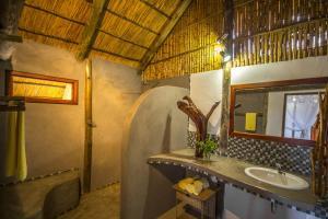 Covane Community Lodge, Turistaházak  Lagoa Nova - big - 3