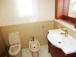 Vila Altini Borsh, Apartmanok  Borsh - big - 27