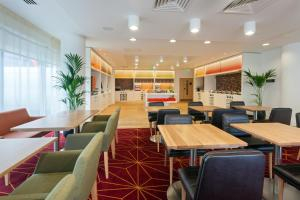 Hampton by Hilton London Gatwick Airport (9 of 25)