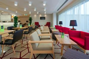 Hampton by Hilton London Gatwick Airport (11 of 25)