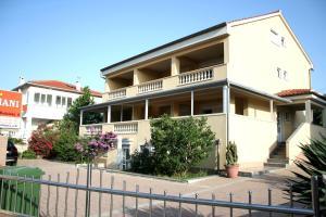 Apartments Dekanic Krk