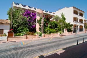 Apartamentos Estanques, Apartmány  Colonia Sant Jordi - big - 16