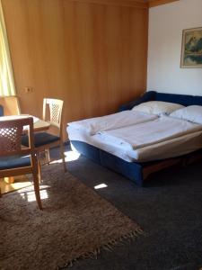Pension Kuntschner, Privatzimmer  Mittersill - big - 26