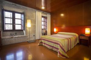Hotel Torre Lombarda, Country houses  Allariz - big - 22