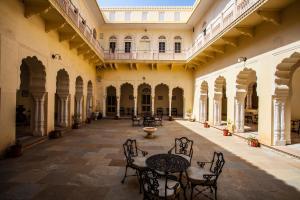 Alsisar Mahal- Heritage Hotel, Отели  Alsīsar - big - 63
