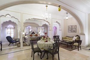 Alsisar Mahal- Heritage Hotel, Отели  Alsīsar - big - 3