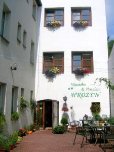 Albergues - Penzion a Vinoteka Hrozen