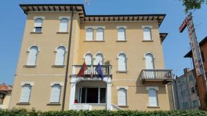 Hotel Montepiana - AbcAlberghi.com