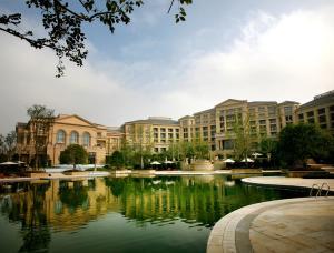Landison Green Town Hotel Xinchang, Hotely  Xinchang - big - 29