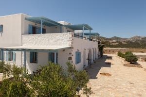 Ergina Summer Resort Antiparos Greece