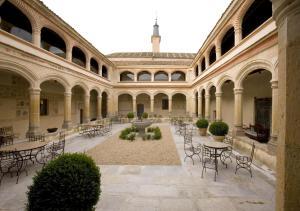 Hotel San Antonio el Real - Tabanera del Monte