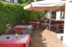 Hotel Restaurant Zum Schwan, Hotel  Mettlach - big - 50
