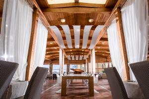 Bella Beach Hotel, Rezorty  Hersonissos - big - 14