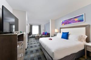 Holiday Inn Express & Suites San Diego - Mission Valley, Отели  Сан-Диего - big - 1