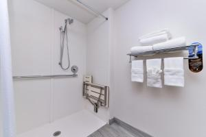 Holiday Inn Express & Suites San Diego - Mission Valley, Hotels  San Diego - big - 71