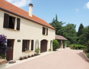 Location gîte, chambres d'hotes Le Crot Pansard dans le département Cher 18