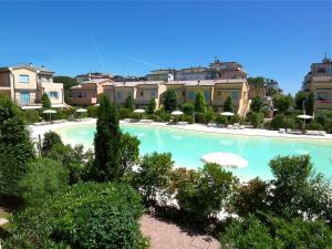 Adriatica Immobiliare - Borgo dei Fiori - AbcAlberghi.com