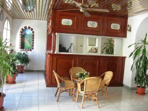 Hotel Le Nathania, Hotely  Saint-Pierre - big - 26